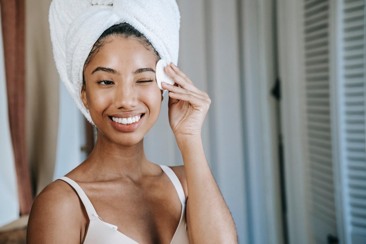 Je huid reinigen: hoe doe je dat?
